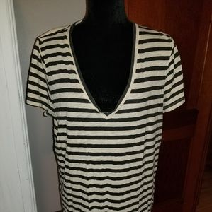 J Crew 100 % Cotton V Neck XL